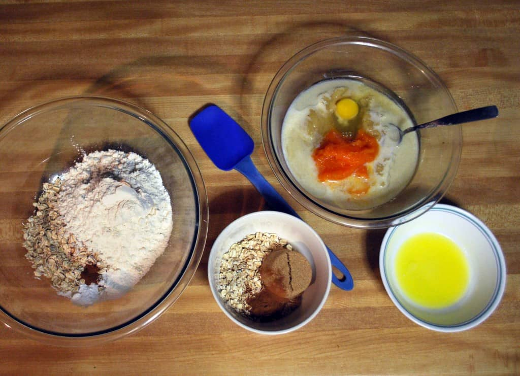 Pumpkin Applesauce Muffins - The Live-In Kitchen