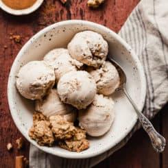 Cinnamon Oatmeal Cookie Ice Cream - This tastes just like the Ben & Jerry's flavor. Cinnamon ice cream studded with oatmeal cookie chunks. #icecream #oatmealcookies #cinnamon #treats #frozentreats