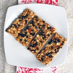 Nutty Chocolate Chip Vegan Granola Bars