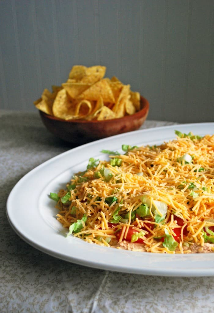 Taco Dip - No mayo, super simple, everyone loves it! Full recipe at theliveinkitchen.com