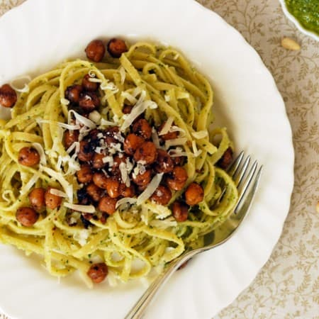 Pesto Linguini with Crispy Balsamic Chickpeas // The Live-In Kitchen