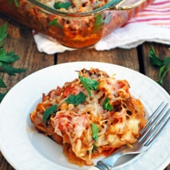 Spaghetti Squash Casserole - This is the best healthy dinner! Tons of veggies, warm and comforting!
