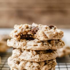 Vegan Oatmeal Chocolate Chip Cookies - These are so soft and gooey! Naturally sweetened, no flax or chia! #naturallysweetened #vegan #cookie #coconutoil #maplesyrup #baking #treats #dessertrecipes